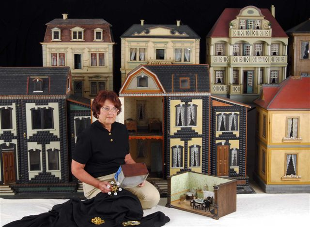 Ann Meehan S Antique Dolls Houses And Miniatures